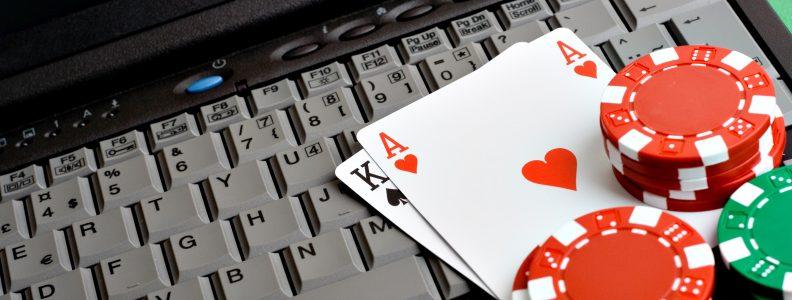 Bagaimana menjadi baik, atau paling tidak kurang mengerikan, di Texas Hold 'Em: Panduan pemula