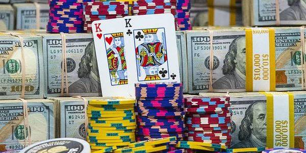 Boom poker: Nevadans tinggal di rumah dan bermain kartu di level rekor online