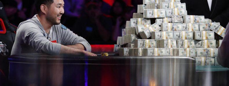 Couch Slouch: Dipaksa bermain poker online menjadi pengingat lain mengapa kita membutuhkan kontak manusia