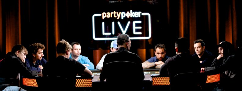 Ulasan Tangan: Bluff and a Rebluff di Big Final Table